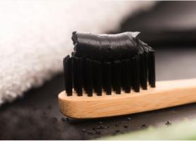 آیا خمیر دندان ذغالی برای سفید شدن دندان موثر است
