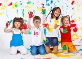 بازیگوشی خردسالان در دورهمی ها