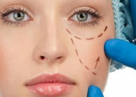 تزریق ژل مایع بهتر است یا جراحی پلاستیک؟