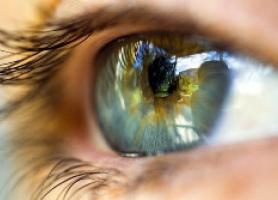 بیماری روماتیسم چشمی علائم عوارض و درمان