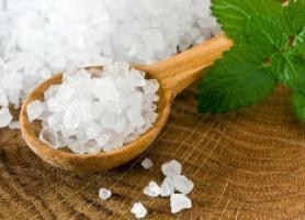 فواید نمک دریایی برای پوست و مو و دندان