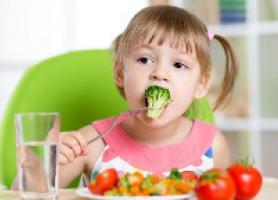 بهترین و سالم ترین غذاها برای کودکان چیست