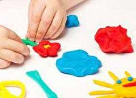 خطر خمیر بازی برای کودکان