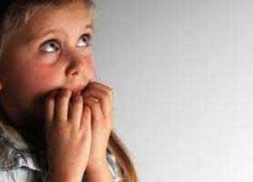 راهکارهایی برای مقابله با ترس کودک از تاریکی