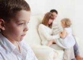چطور حسادت فرزند بزرگتر را کنترل کنیم؟