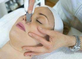 جوانسازی پوست با روش درم ابریژن