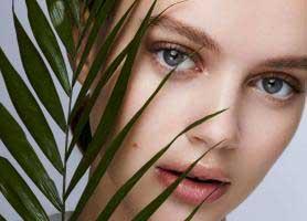 10 ترفند طبیعی برای زیباتر شدن خانم ها
